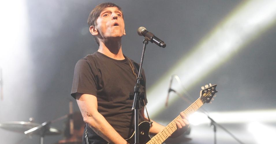 Paulo Miklos, que continua nos Titãs, em show que reuniu todos os integrantes da banda. (6/10/2012)