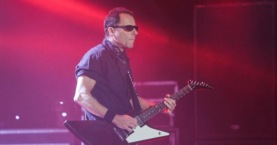Tony Bellotto, da formação atual do Titãs, em show em São Paulo. (6/10/2012)