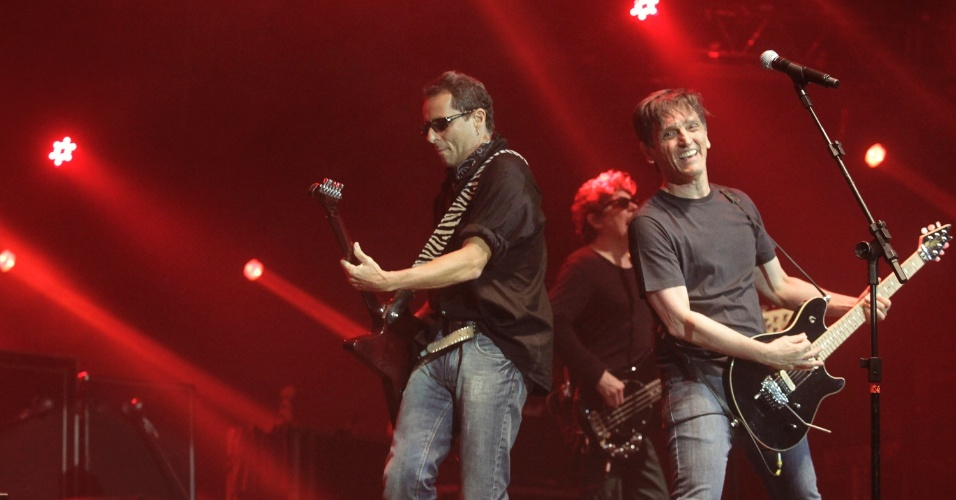 Tony Bellotto, Paulo Miklos e Branco Mello em show do Titãs em São Paulo. (6/10/2012)