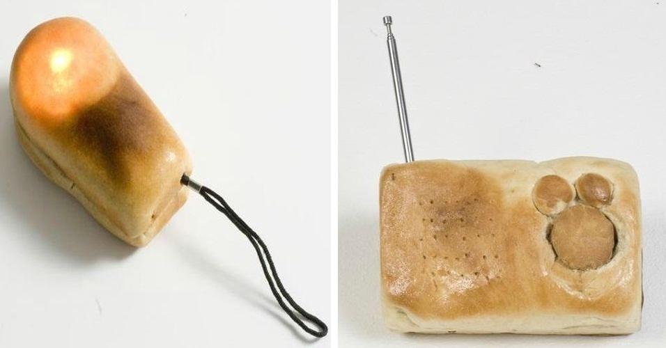 8.out.2012 - A designer israelense Nitsan Debbi substitui a capa dos aparelhos eletrônicos por um revestimento feito de pão. Nitsan retira a carcaça de equipamentos como lanternas, relógios e rádios. A designer está criando produtos que combinam nova e velha tecnologia e afirma que os itens cobertos de pão funcionam