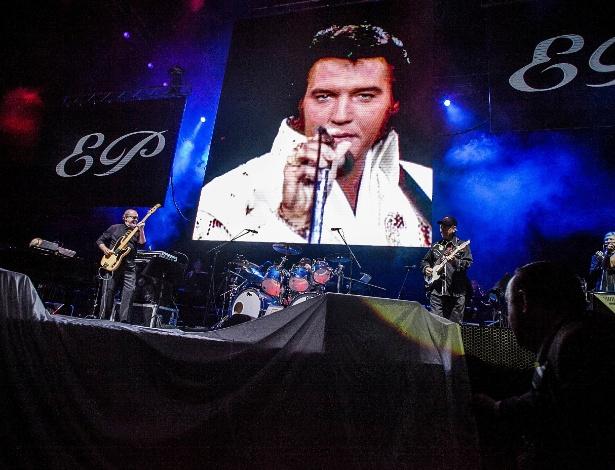 """""""Elvis in Concert"""" reúne em São Paulo diversos músicos e companheiros da banda do cantor (8/10/12)"""