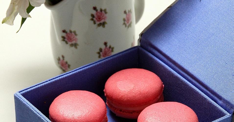Quatro macarons tamanho M em caixa forrada de tecido; da Bel Macarons (www.belmacarons.com.br), por R$ 51. Disponibilidade e preço sujeitos a alterações. Pesquisa realizada em outubro de 2012