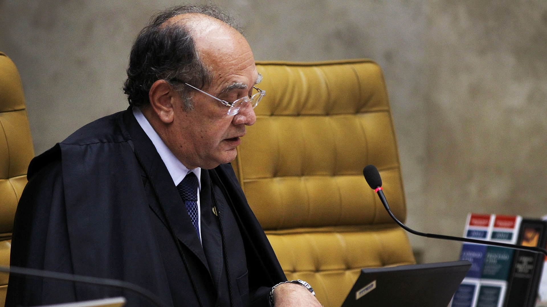 9.out.2012 - Ministro Gilmar Mendes acompanha votos de ministros Dias Toffoli e Marco Aurlio Mello no captulo referente  participao no esquema de corrupo ativa no processo do mensalo