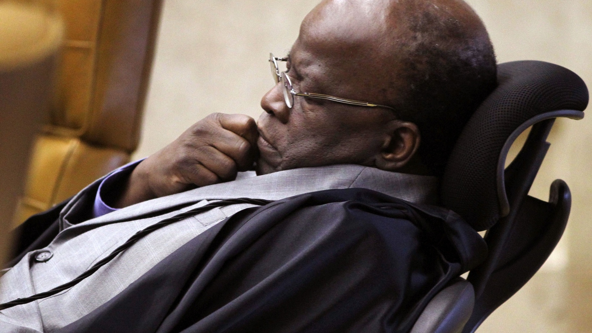 9.out.2012 - Ministro Joaquim Barbosa no plenário do Supremo Tribunal Federal (STF) durante julgamento do mensalão