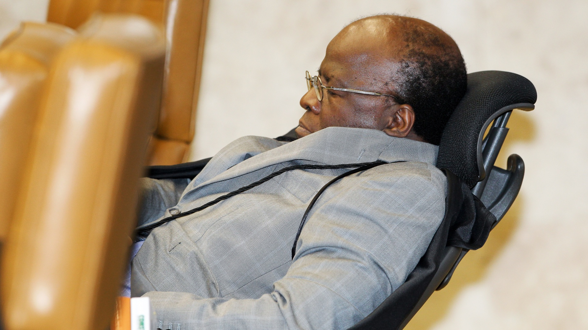 9.out.2012 - Ministro Joaquim Barbosa no plenario do Supremo Tribunal Federal (STF) durante julgamento do mensalao