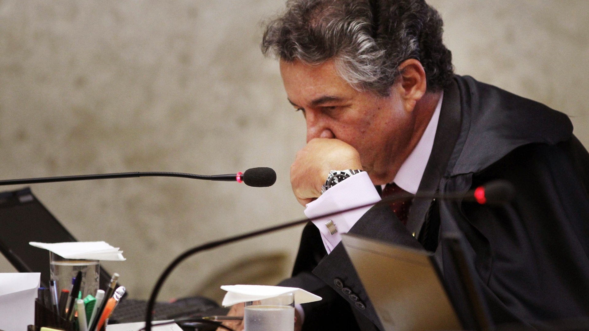 9.out.2012 - Ministro Marco Aurlio no plenrio do Supremo Tribunal Federal (STF) durante julgamento do mensalo