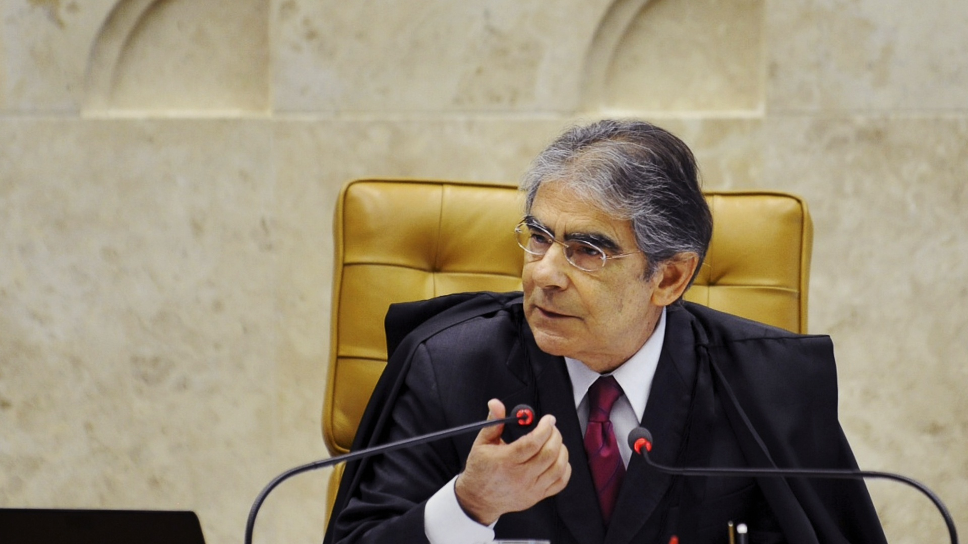 9.out.2012 - Presidente do Supremo Tribunal Federal (STF), ministro Carlos Ayres Britto, durante sesso de julgamento do processo do mensalo 