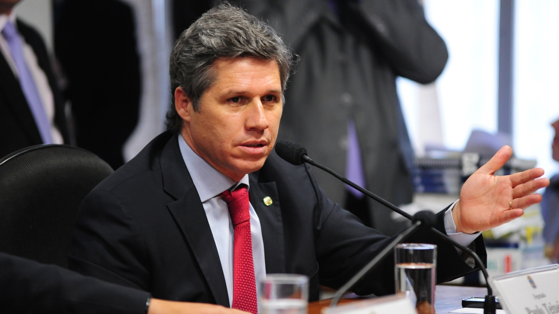9.out.2012 - Deputado federal Paulo Teixeira (PT/SP) interroga deputado federal Carlos Alberto Leria (PSDB-GO) na CPI do Cachoeira