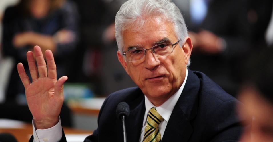 9.out.2012 - Deputado federal Rubens Bueno (PPS-PR) questiona o deputado federal Carlos Alberto Leréia (PSDB-GO) sobre seu envolvimento com o esquema do contraventor Carlinhos Cachoeira