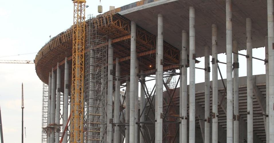 Estrutura do estádio Mané Garrincha em obras