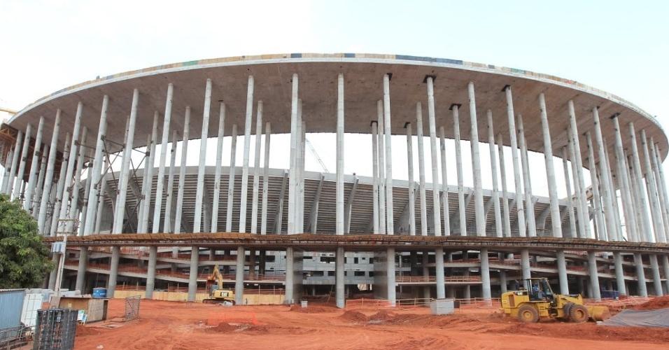 Obras em andamento no estádio Mané Garrincha, que receberá jogos da copa das Confederações em 2013, além da Copa do Mundo de 2014