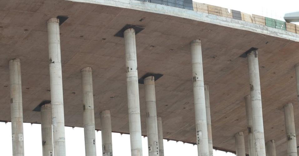 Parte da estrutura do estádio Mané Garrincha, um dos com as obras mais adiantadas para a Copa do Mundo de 2014