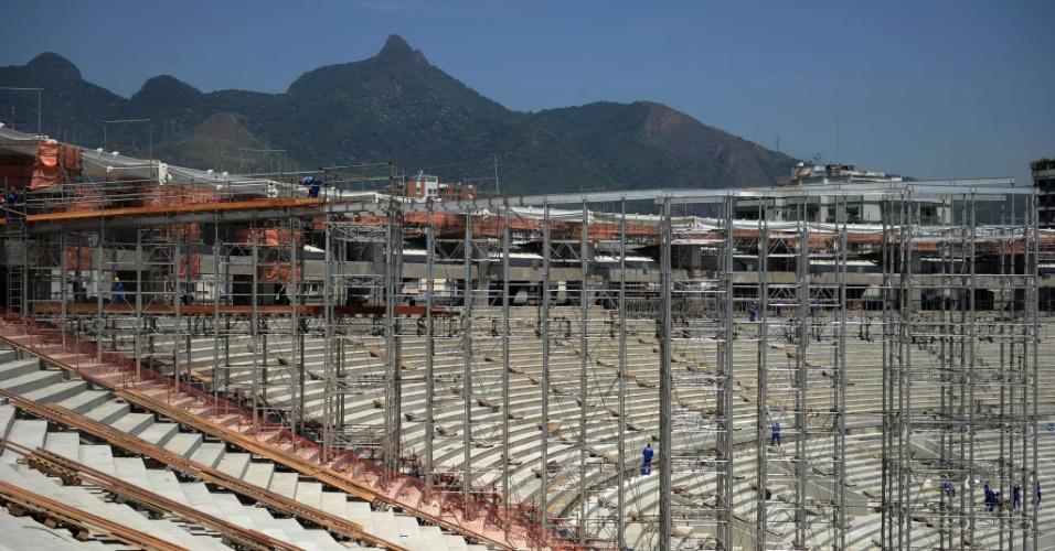 com-70-dos-trabalhos-concluidos-o-maracana-comecara-a-receber-a-estrutura-da-cobertura-do-estadio-em-novembro-1349887326513_956x500.jpg