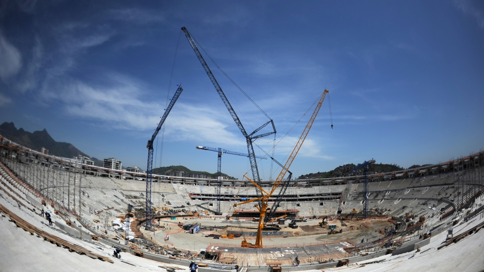 Imagem geral das obras de reforma do estdio do Maracan, palco da Copa do Mundo de 2014 no Rio de Janeiro