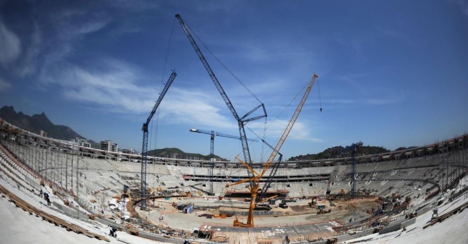Imagem geral das obras de reforma do estádio do Maracanã, palco da Copa do Mundo de 2014 no Rio de Janeiro