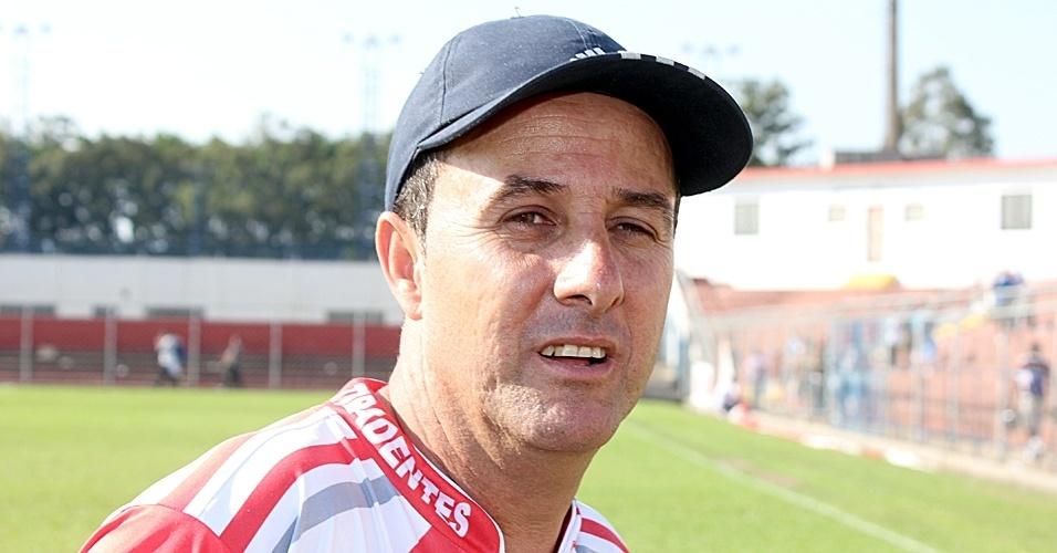 Hamilton Falconeres, o Miltinho, técnico do Tiradentes