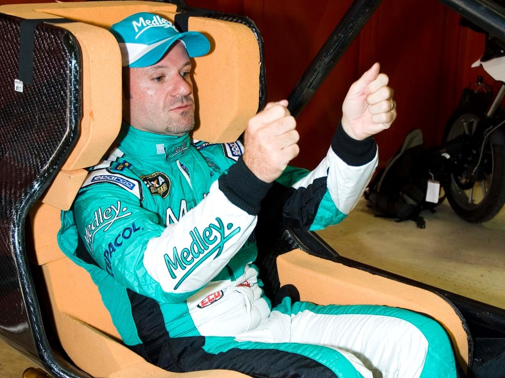 Rubens Barrichello ajuda no desenvolvimento do novo banco para carros da Stock Car (11/10/12)