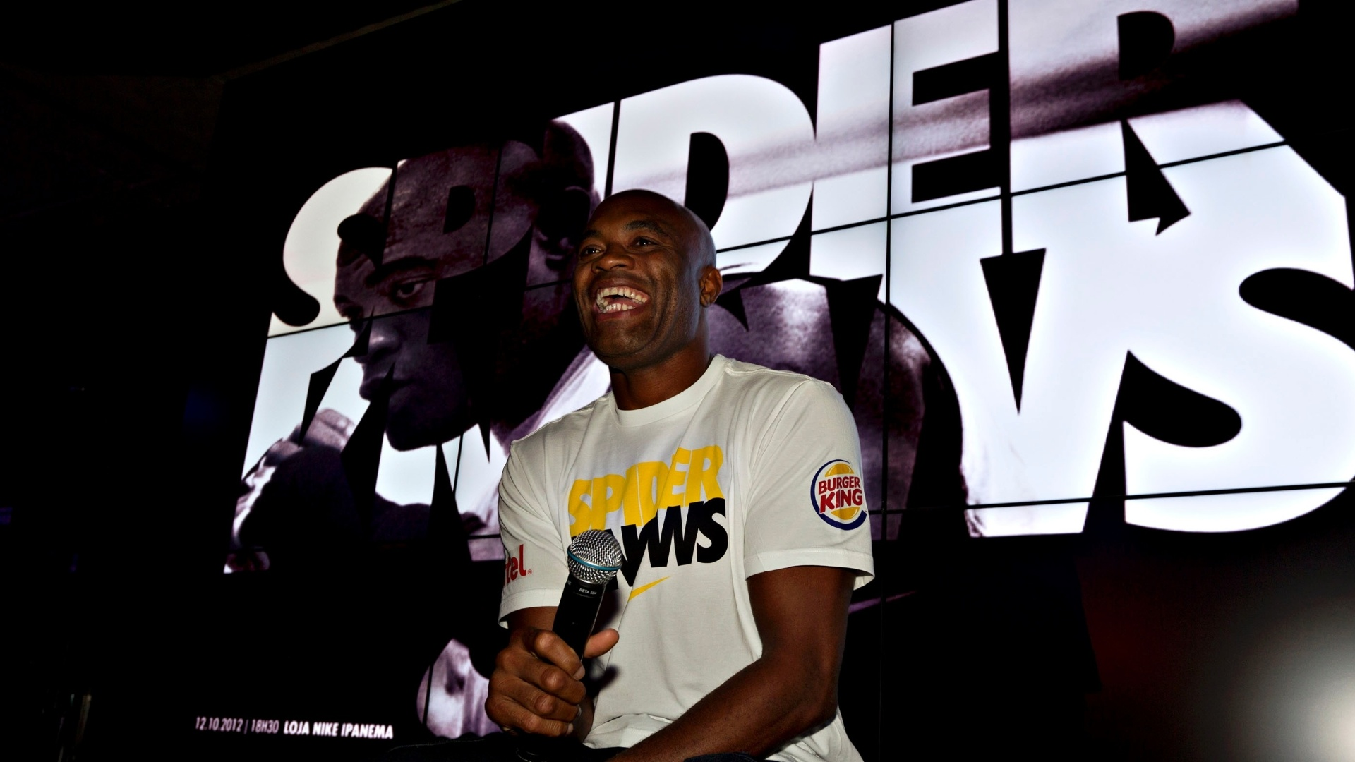 Anderson Silva aproveita UFC no Rio participa de inaugurao de loja da Nike no Rio de Janeiro