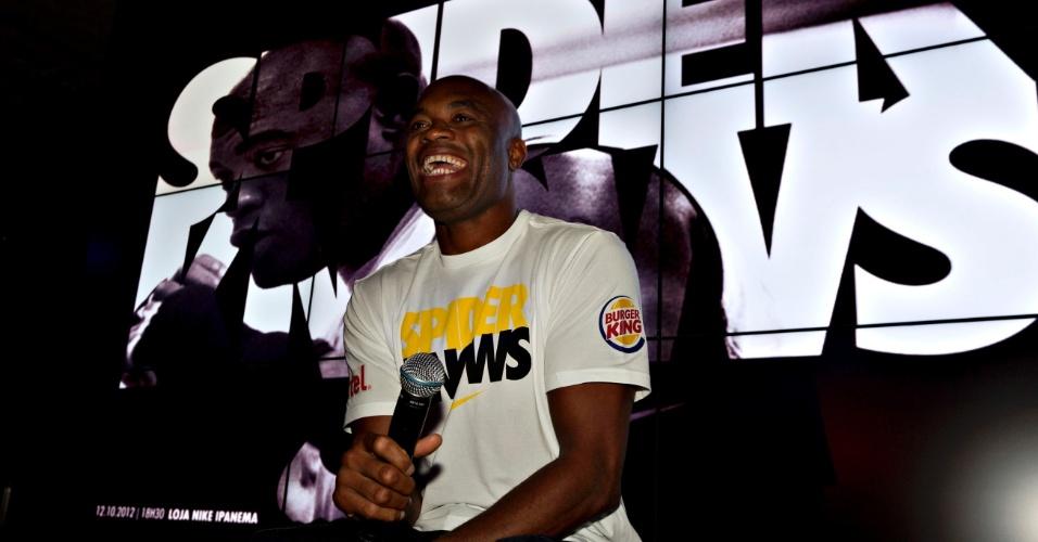 Anderson Silva aproveita UFC no Rio participa de inauguração de loja da Nike no Rio de Janeiro