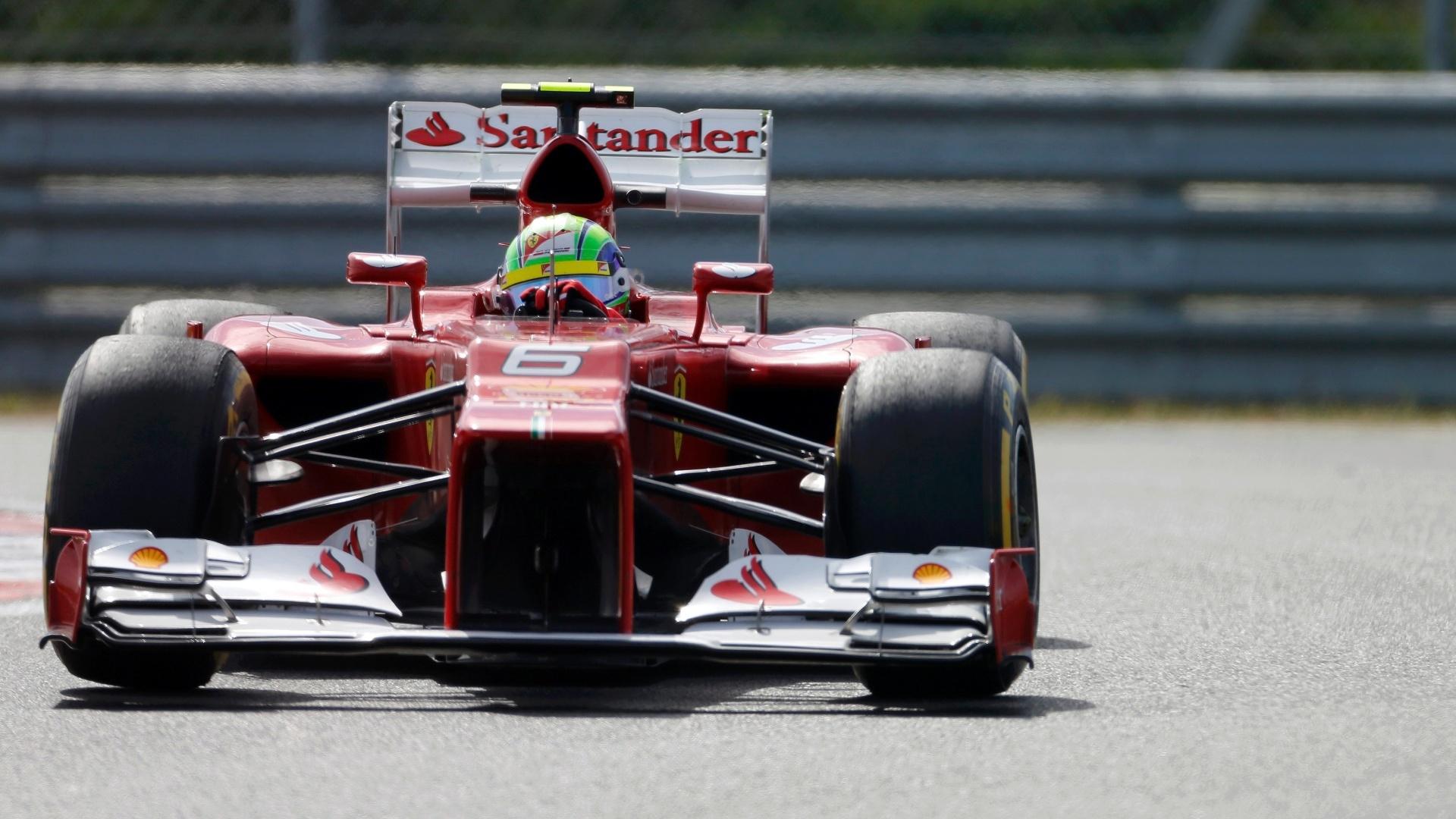Brasileiro Felipe Massa, da Ferrari, em ação durante treino livre em Yeongam
