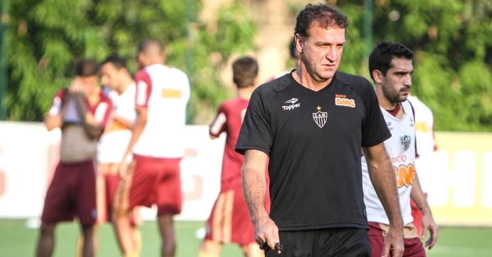 Técnico Cuca comanda treino do Atlético-MG na Cidade do Galo (12/10/2012)