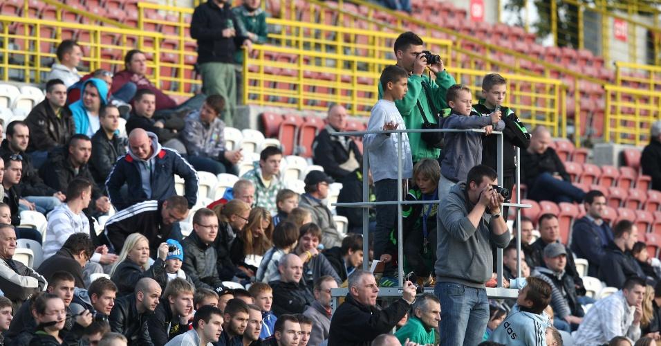Cerca de 2 mil pessoas foram ver o treino da seleção brasileira