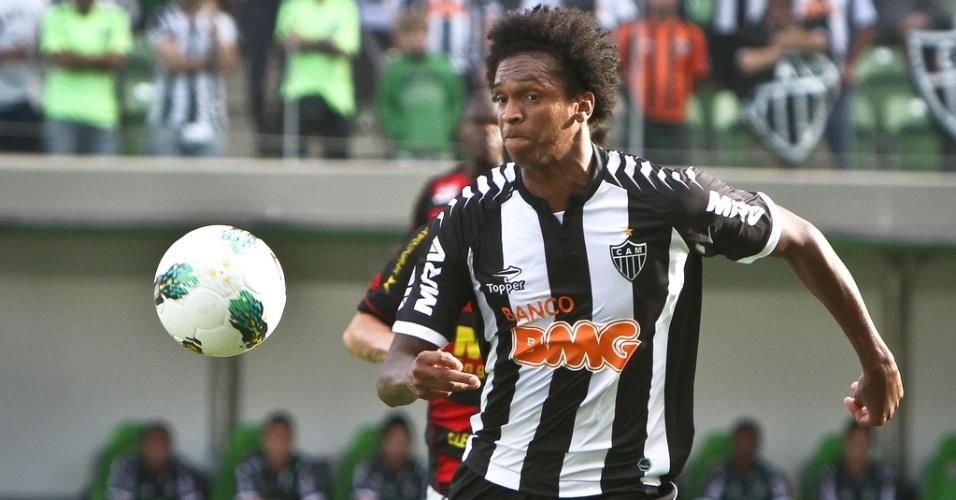 Atacante Jô durante a vitória do Atlético-MG sobre o Sport por 2 a 1 (14/10/2012)