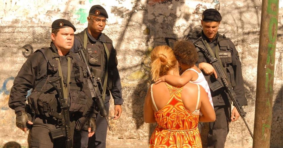 16.out.2012 - Policiais do Bope ocupam a comunidade do Jacarezinho, na zona norte do Rio