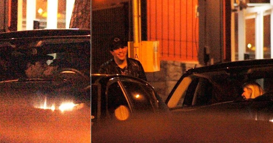 Íris Stefanelli e Sorocaba, da dupla sertaneja Fernando e Sorocaba, foram vistos aos beijos em um carro no bairro dos Jardins, em São Paulo (16/10/12)
