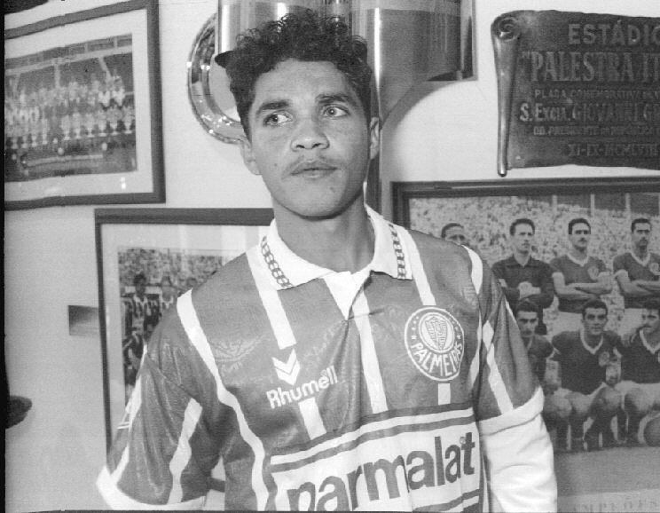 Alex Alves morreu no dia 14 de novembro de 2012. O ex-atacante teve passagens por diversos clubes brasileiros, como Cruzeiro, Palmeiras e Atlético-MG, além do alemão Hertha Berlin