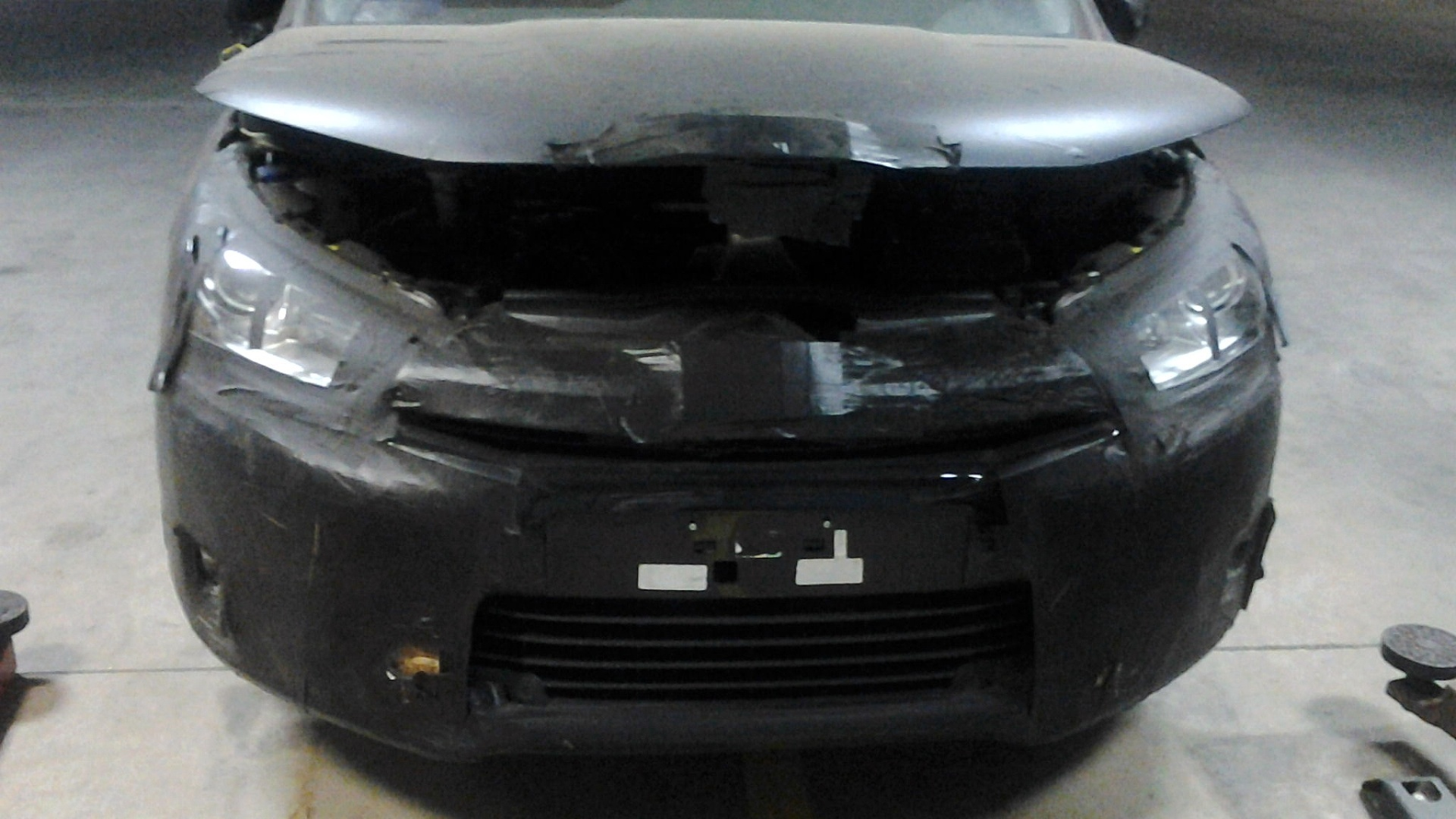 Novo Citroën C4 hatch é flagrado em oficina no interior paulista