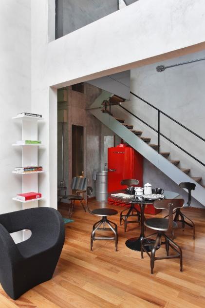 decoracao de apartamentos pequenos para homens:projeto-do-arquiteto-guilherme-torres-para-o-loft-de-um-jovem