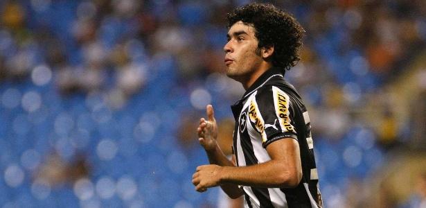 Bruno Mendes está emprestado ao Botafogo até o fim de 2013, mas pode sair antes