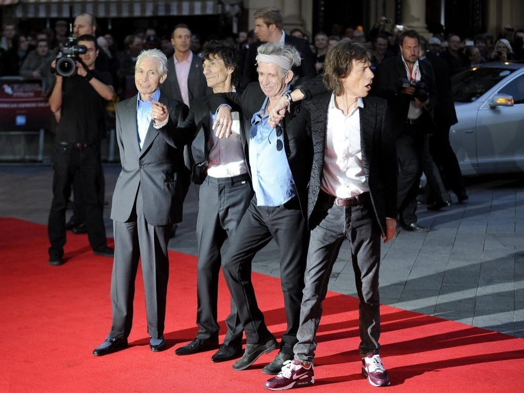 Charlie Watts, Ron Wood, Keith Richards e Mick Jagger apresentam
