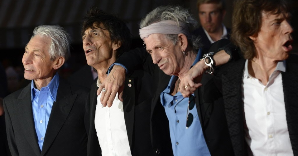 Charlie Watts, Ronnie Wood, Keith Richards e Mick Jagger causam alvoroo na chegada para o lanamento do documentrio 