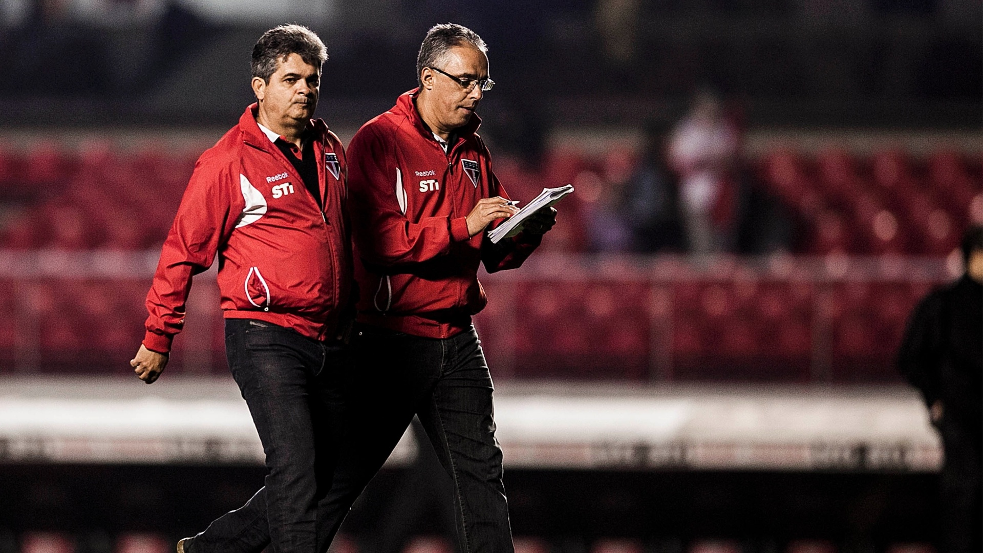Técnico Ney Franco durante intervalo de jogo entre São Paulo e Atlético-Go no Morumbi