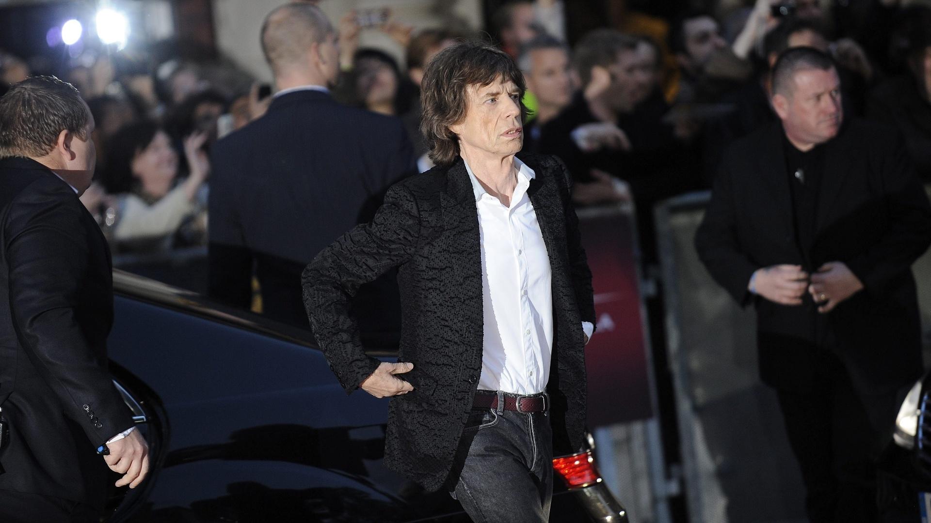 Vocalista dos Rolling Stones participa da première de