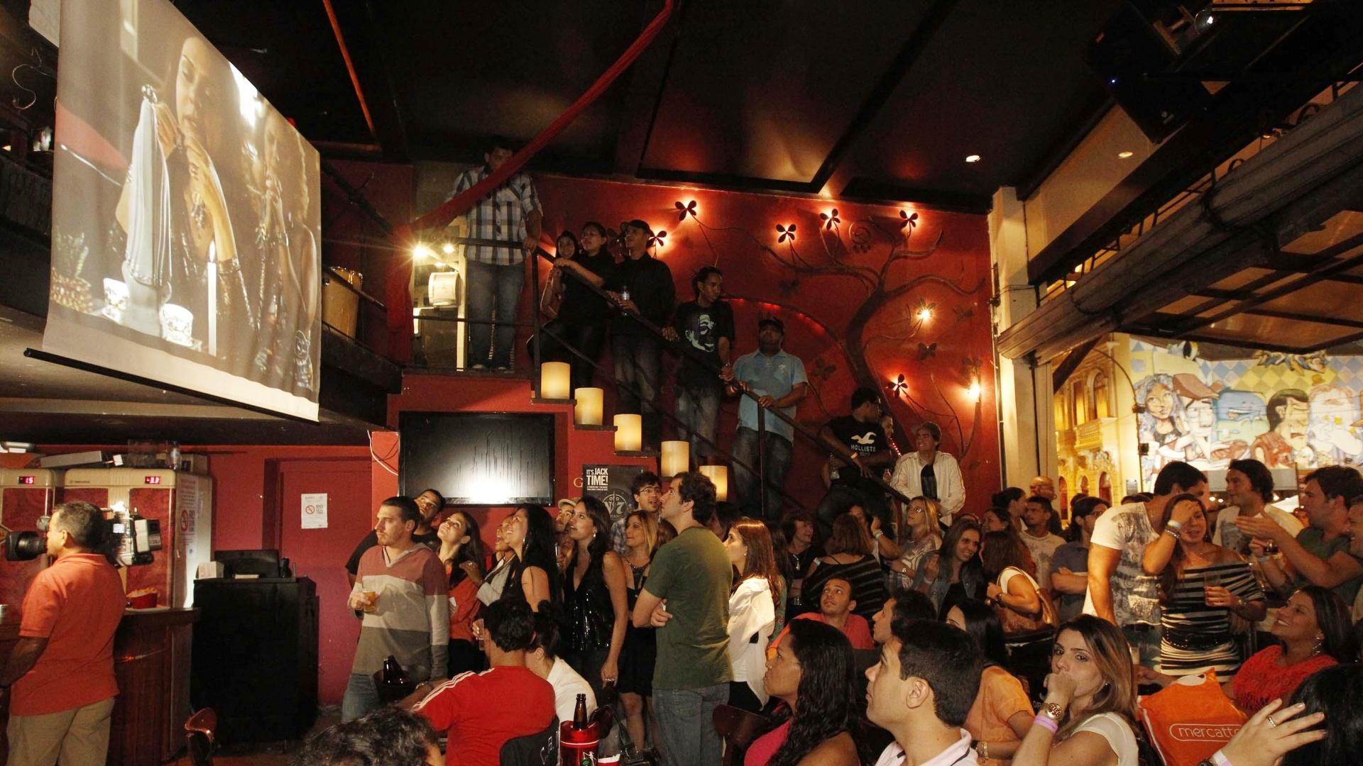 ... Avenida Brasil em restaurante no bairro da Lapa, no centro do Rio de
