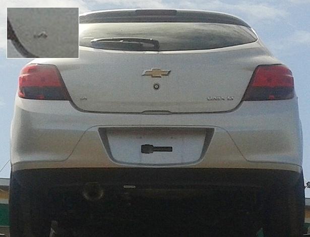 """Onix chegando: flagra mostra versão LT com motor 1.4 e traseira """"à la VW Gol"""""""
