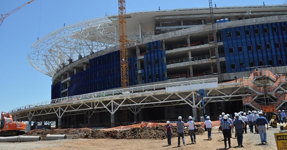 Entrada da Arena do Grêmio ainda em obras para inauguração em dezembro