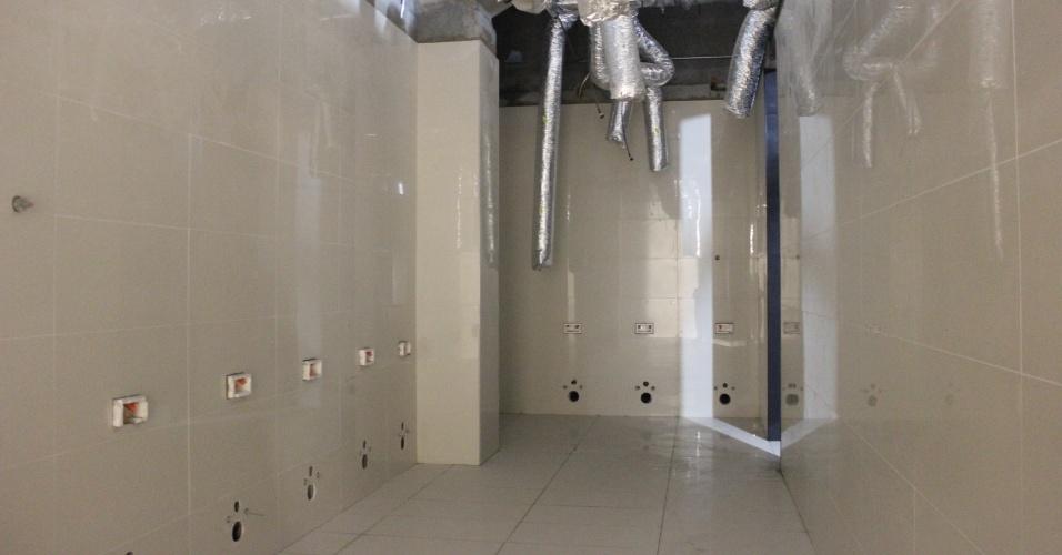 19.10.2012 - Futuras instalações dos vestiários do Itaquerão, em imagem da segunda quinzena de outubro de 2012
