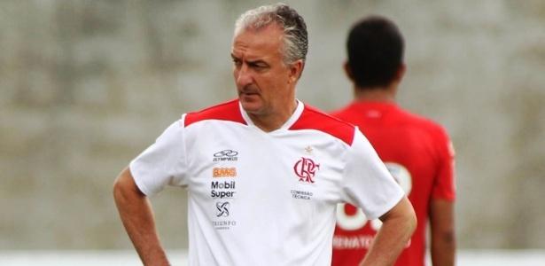 Dorival Júnior continuará no Flamengo e pediu quatro ou cinco reforços para 2013