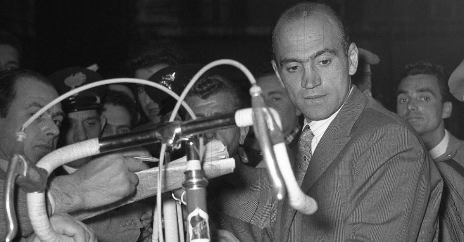 Tricampeão do Giro D'Itália, polêmico ciclista Fiorenzo Magni faleceu no dia 19 de outubro de 2012, aos 91 anos