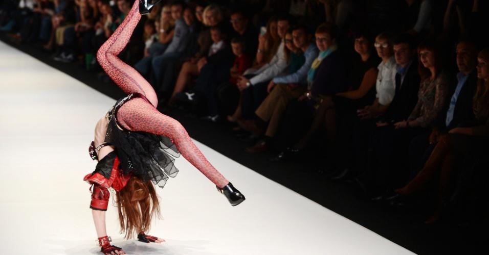 Parada de mãos Russian Fashion Week in Moscow