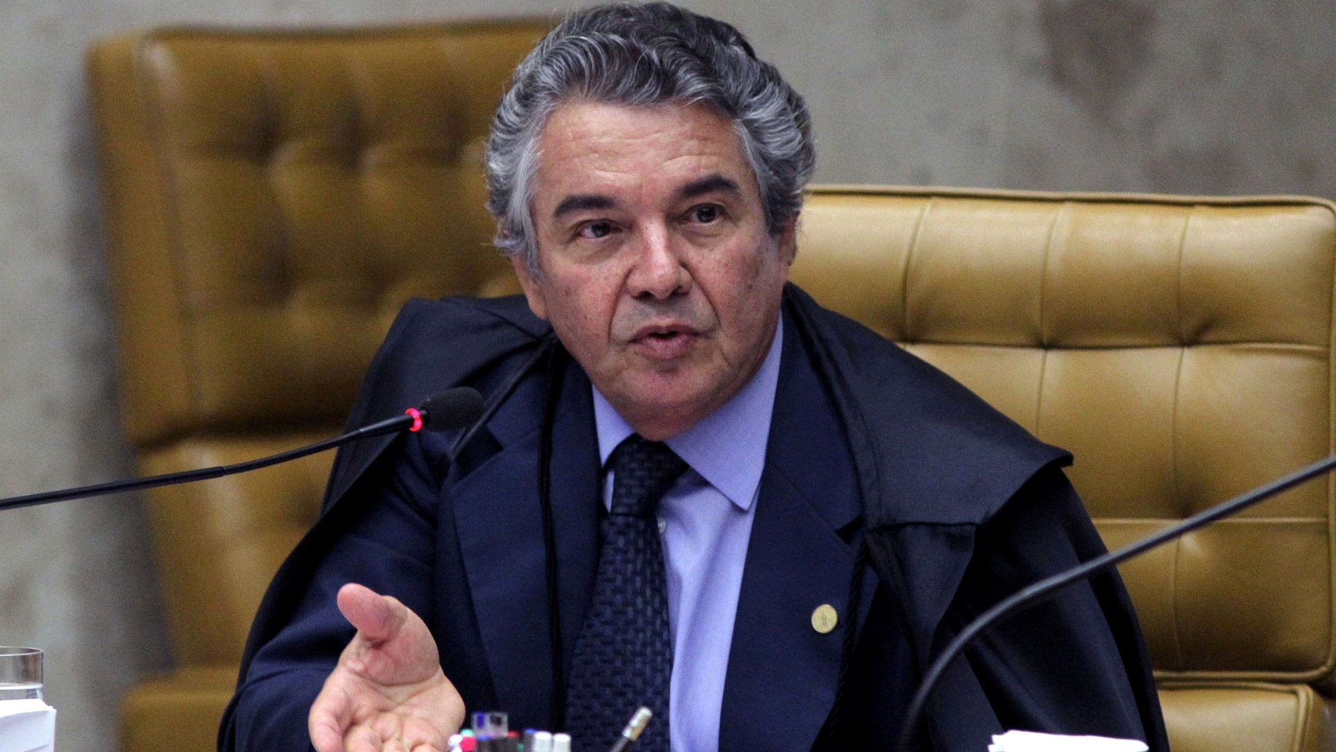 22.out.2012 - Ministro Marco Aurlio Mello acompanha voto do relator do processo do mensalo, Joaquim Barbosa, e condena Dirceu e cpula do PT por formao de quadrilha 