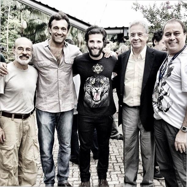 Bruno Gagliasso divulga imagem ao lado de Fernando Henrique Cardoso (22/10/2012)