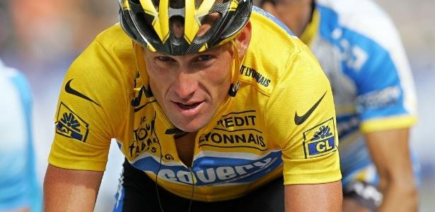 Lance Armstrong teve os sete títulos da Volta da França retirados após escândalo