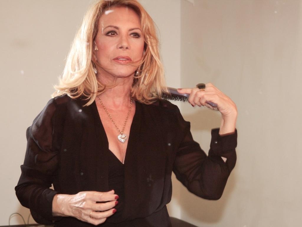 Arlete Salles se prepara para apresentação especial do espetáculo
