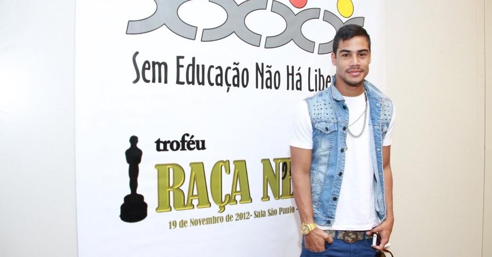 8ff31c11e295a MICAEL BORGES PRESTIGIA ALMOÇO PROMOVIDO PELO TROFÉU RAÇA NEGRA 2012 ...
