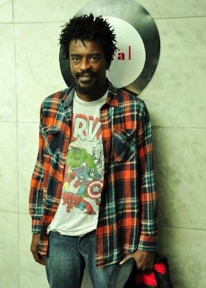 Seu Jorge disse j&#225; ter acertado com uma produtora para fazer o papel de Jimi Hendrix no cinema